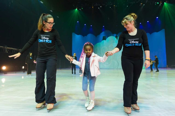 Disney On Ice Review: Dare to Dream by Los Angeles mom blogger MomCrushMonday