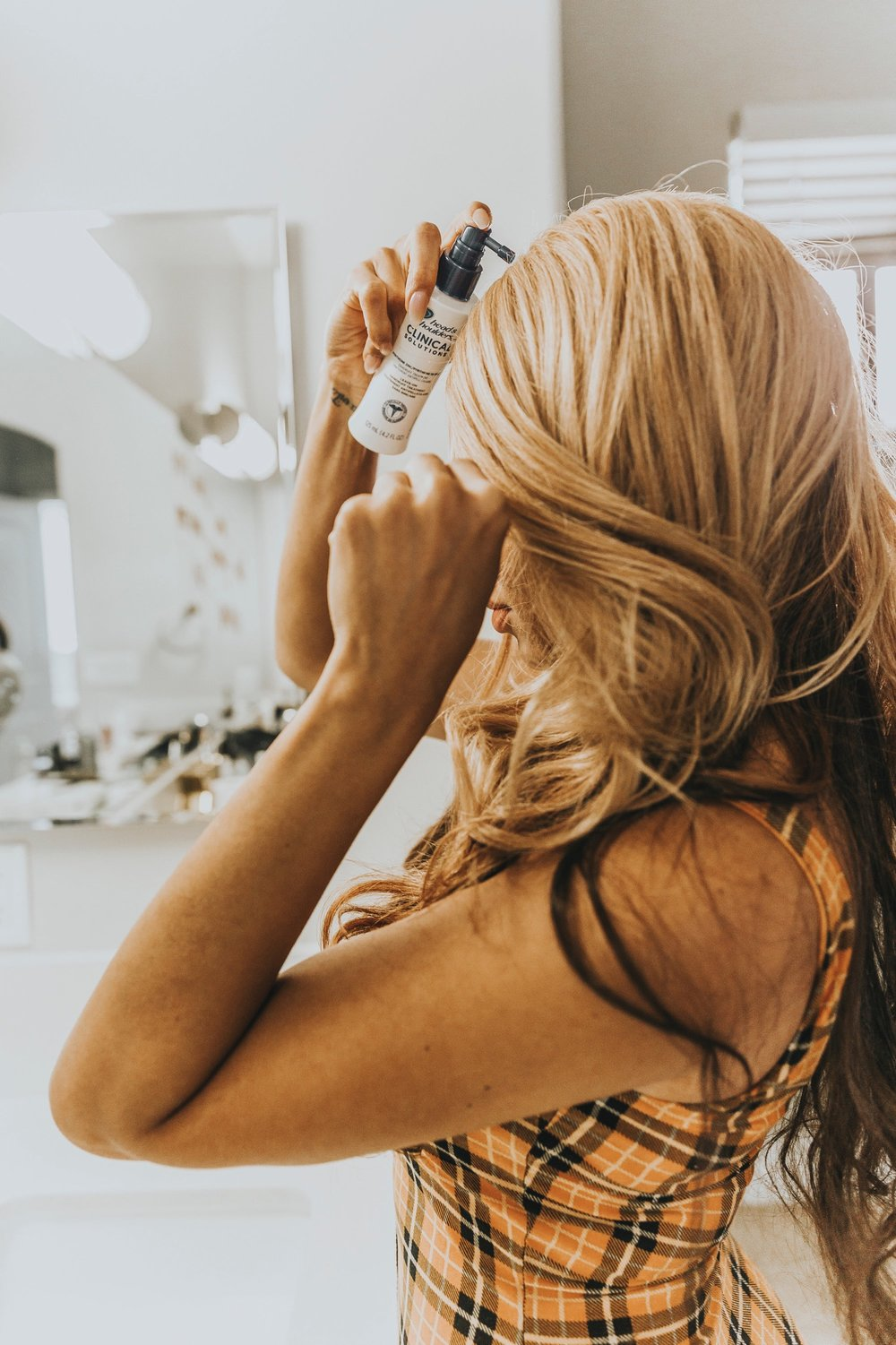Head and Shoulders Clinical Solutions review featured by popular life and style blogger, Mom Crush Monday