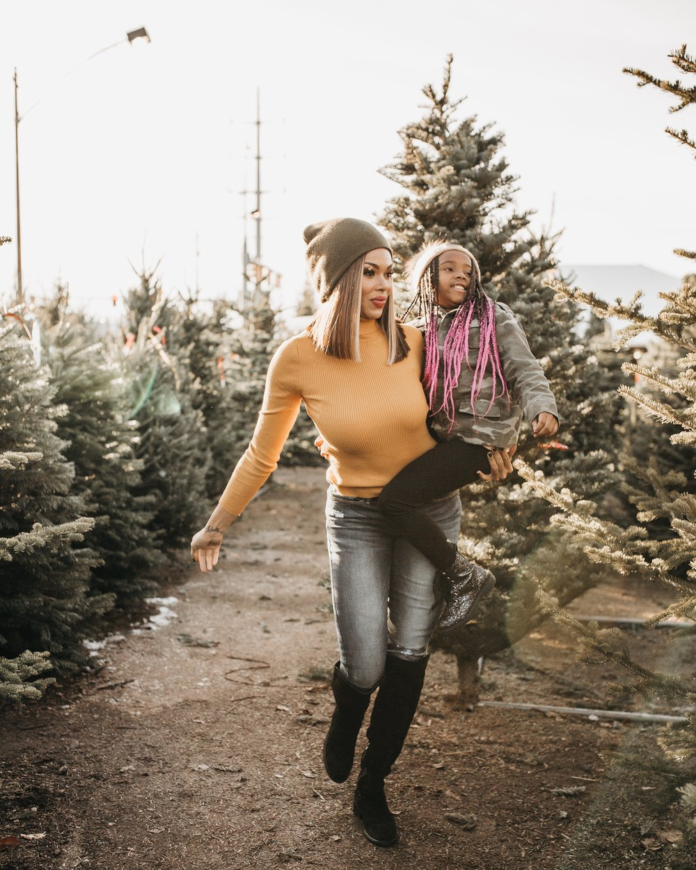 Find your signature with your Holiday Bucket List featured by top US lifestyle blog, MomCrushMonday