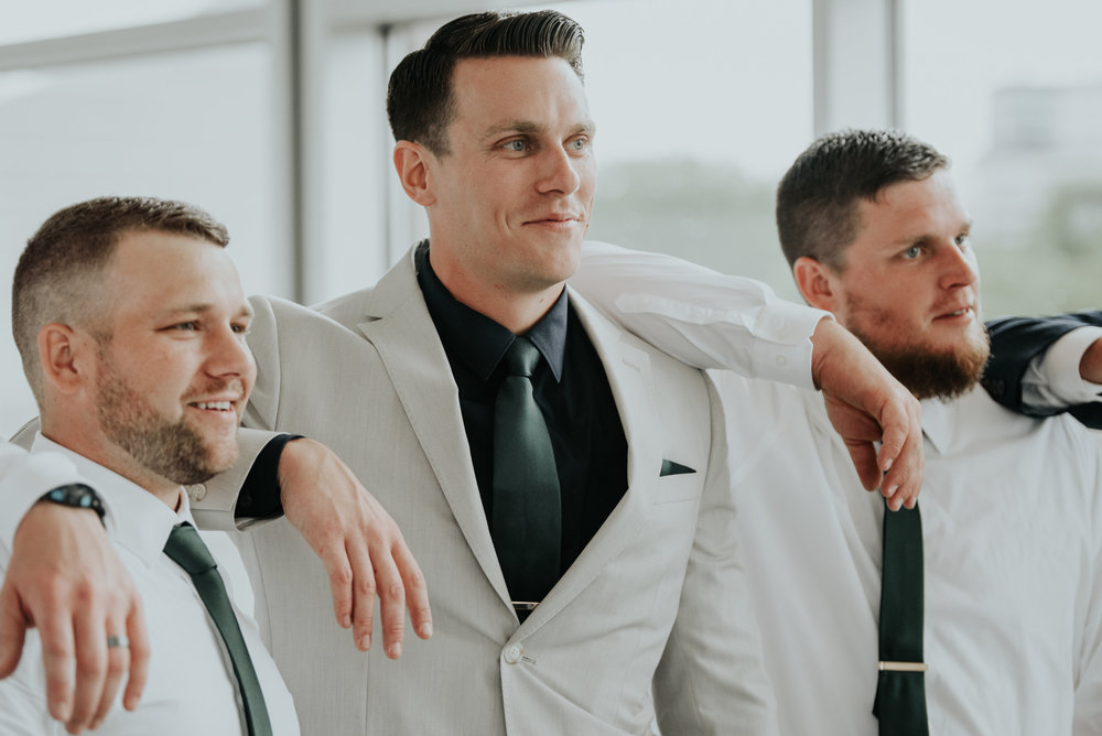 Emerald tux for groomsmen | Be Images Photography
