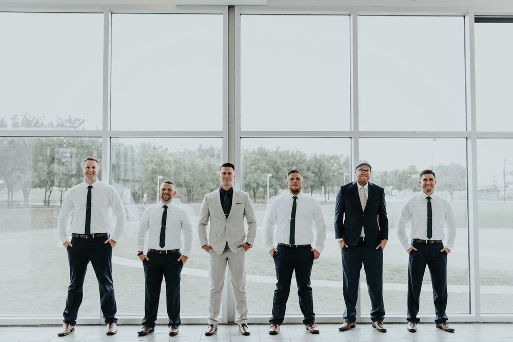 Groom + Groomsmen pose ideas | Be Images Photography