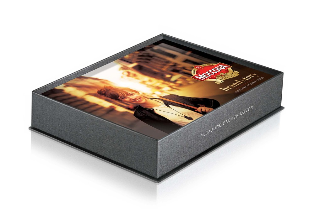 Douwer Egberts_Moccona Layouts_Brandbook_RGB 150dpi.jpg