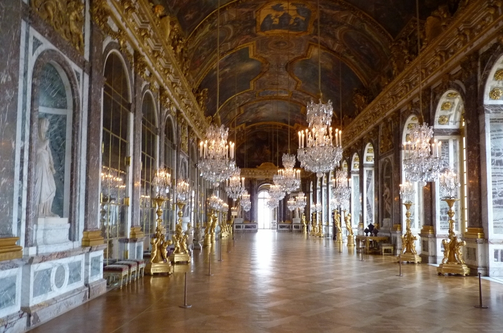 the-hall-of-mirrors-versailles.jpg