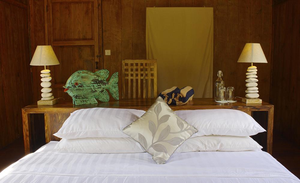 BedroomgladaxWeb.jpg