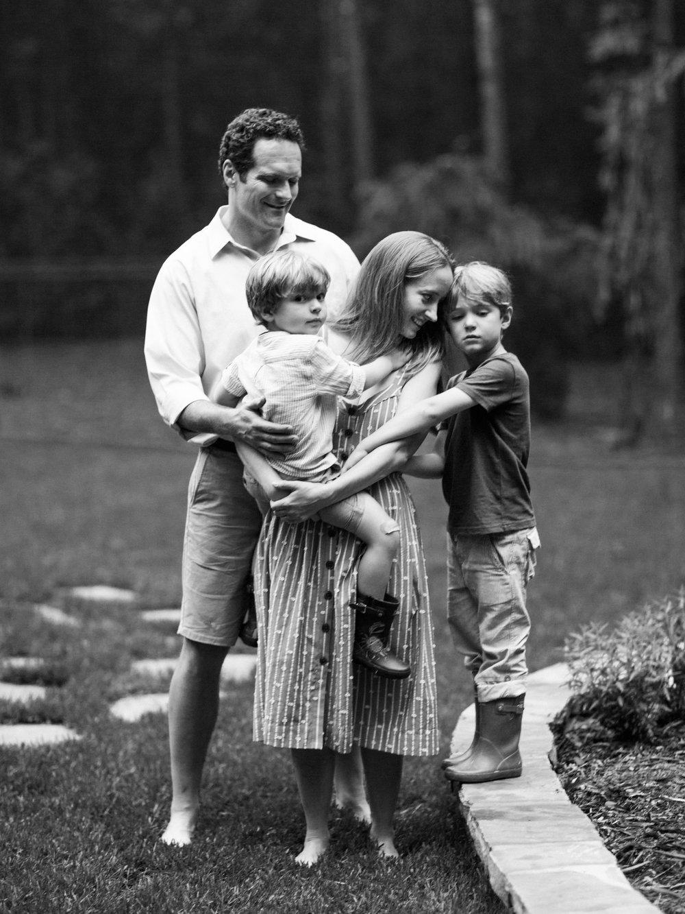 Pittsburgh_Pennsylvania_Best_Motherhood_Family_Photographer_Best_Film_-14.jpg