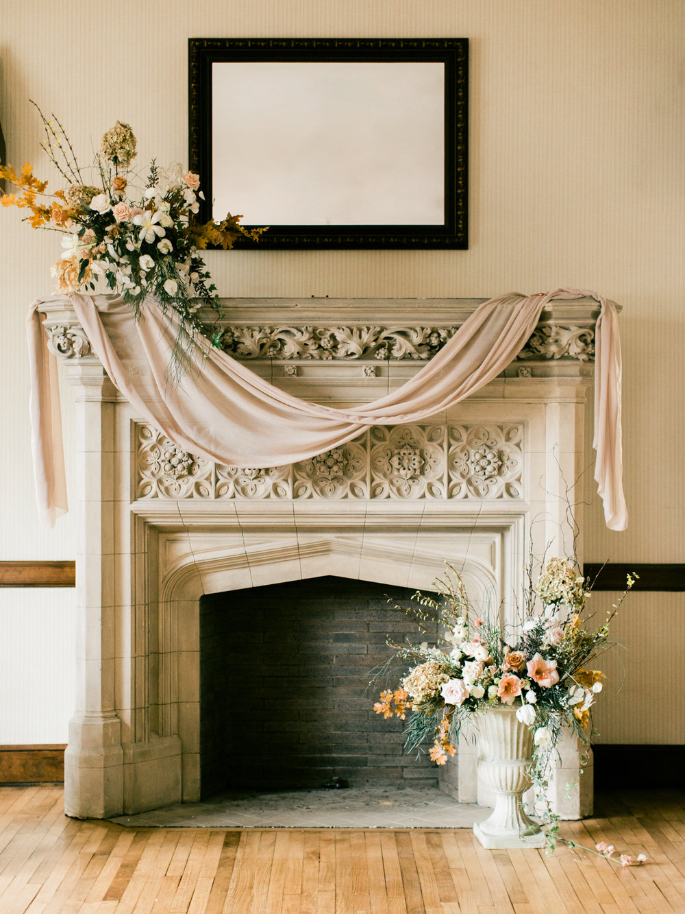 University_club_pittsburgh_wedding_photographer_anna_laero_photography_bumbleburgh_events_wood_and_grace_design_7.jpg