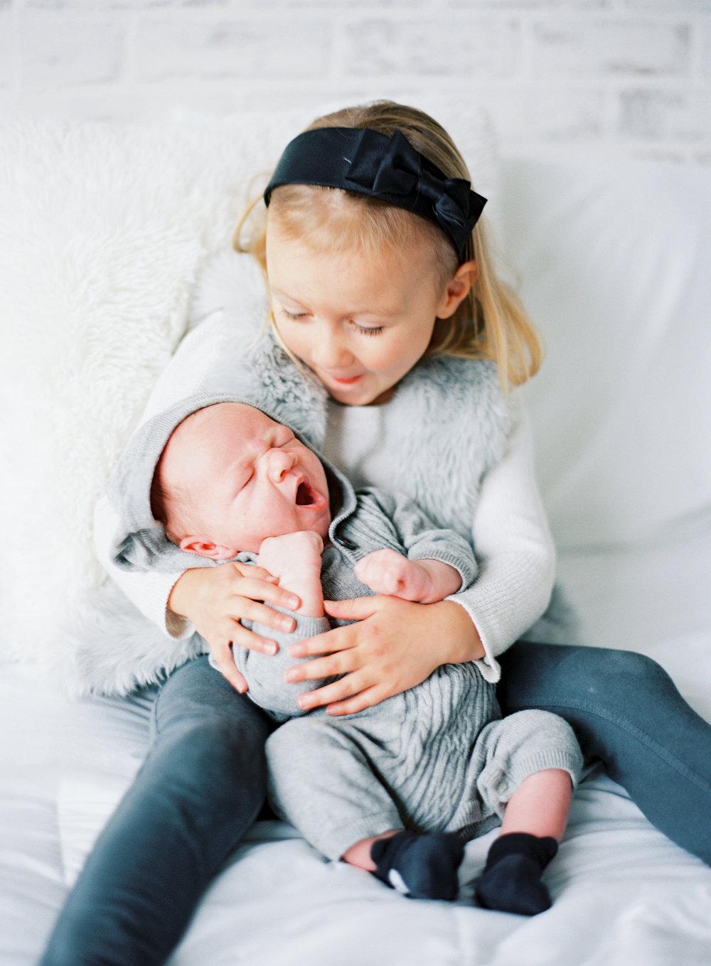 pittsburgh-newborn-family-Steven-Dray-photographer-anna-laero-photography-2.jpg