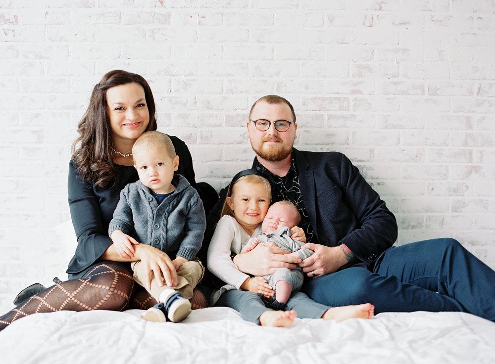 pittsburgh-newborn-family-photographer-Steven-Dray-family-anna-laero-photography-5.jpg