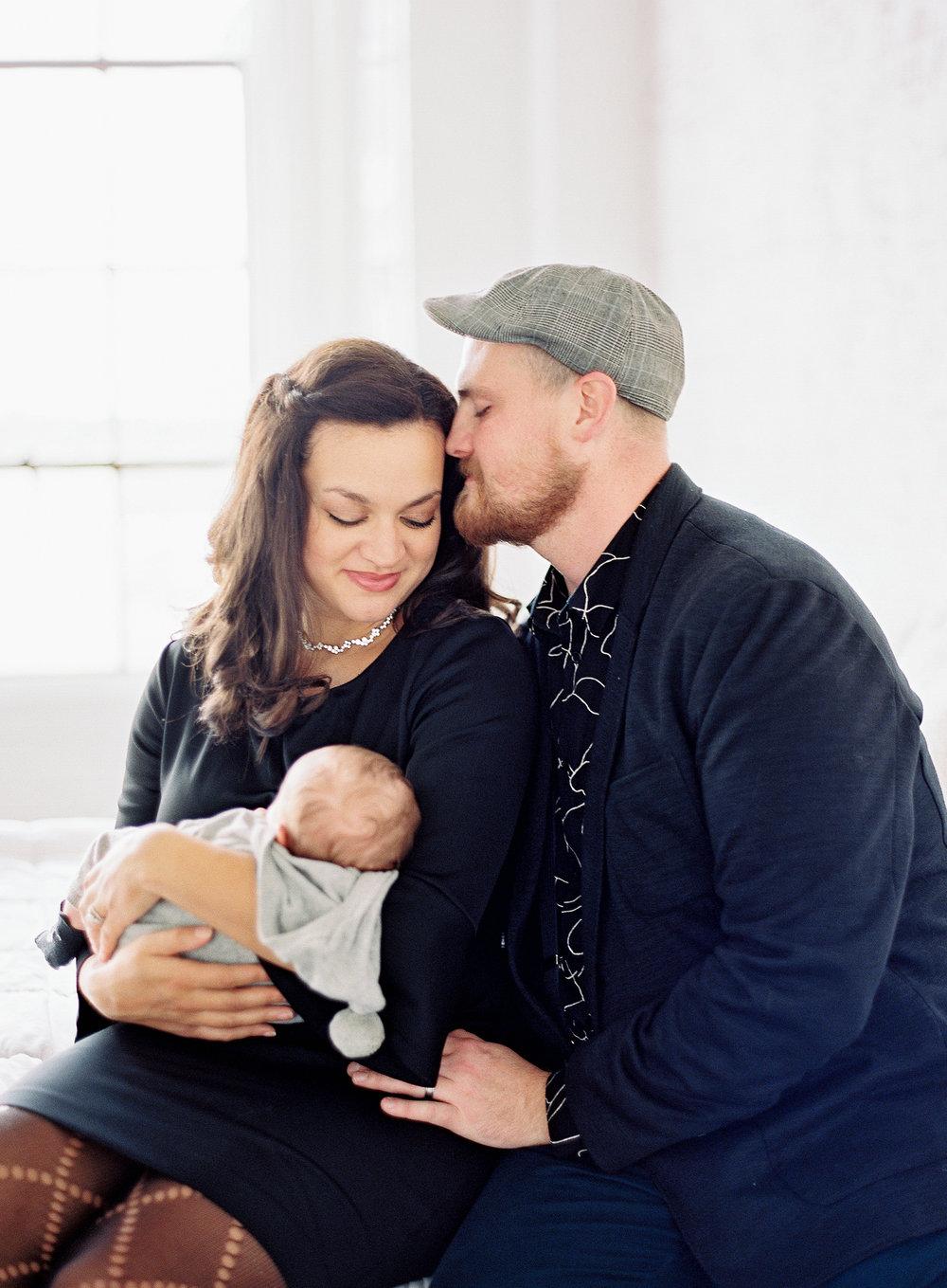 pittsburgh-newborn-family-photographer-Steven-Dray-family-anna-laero-photography-9.jpg