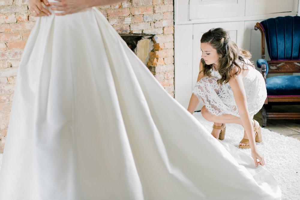 pittsburgh-wedding-photographer-intimate-garden-wedding-bumbleburgh-pennsylvania-elegant-simple-sophisticated-elegant-backyard-wedding-21.jpg