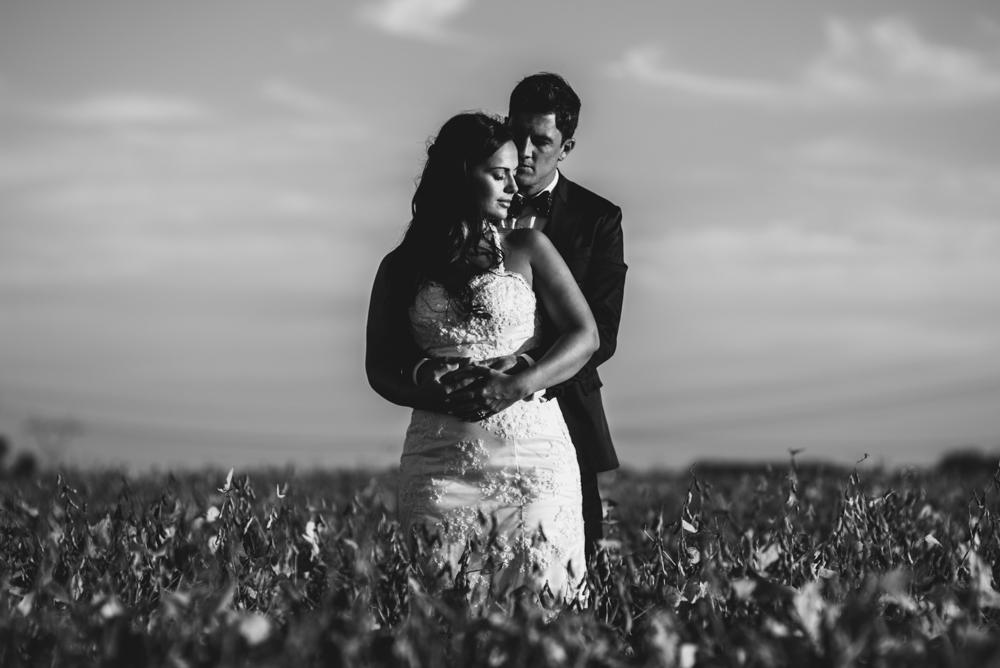maxi-oviedo-trash-the-dress-rosario-argentina-fotografo-de-bodas-fotografo-de-casamiento-arroyo-seco-san-nicolas-sesion-post-boda-8.jpg