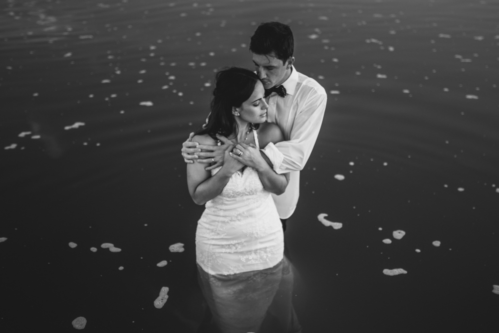 maxi-oviedo-trash-the-dress-rosario-argentina-fotografo-de-bodas-fotografo-de-casamiento-arroyo-seco-san-nicolas-sesion-post-boda-12.jpg