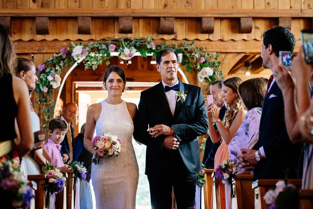 boda-bariloche-maxi-oviedo-fotografo-ramo-vestido-de-novia-28.jpg