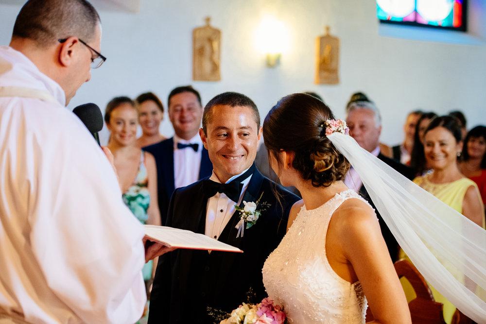 boda-bariloche-maxi-oviedo-fotografo-ramo-vestido-de-novia-34.jpg
