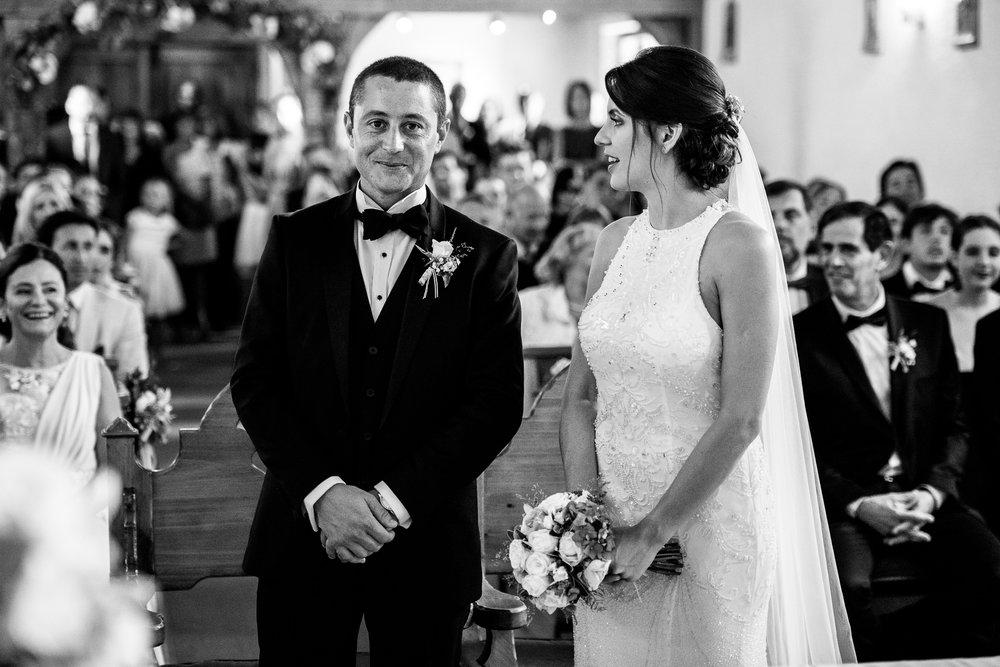 boda-bariloche-maxi-oviedo-fotografo-ramo-vestido-de-novia-39.jpg