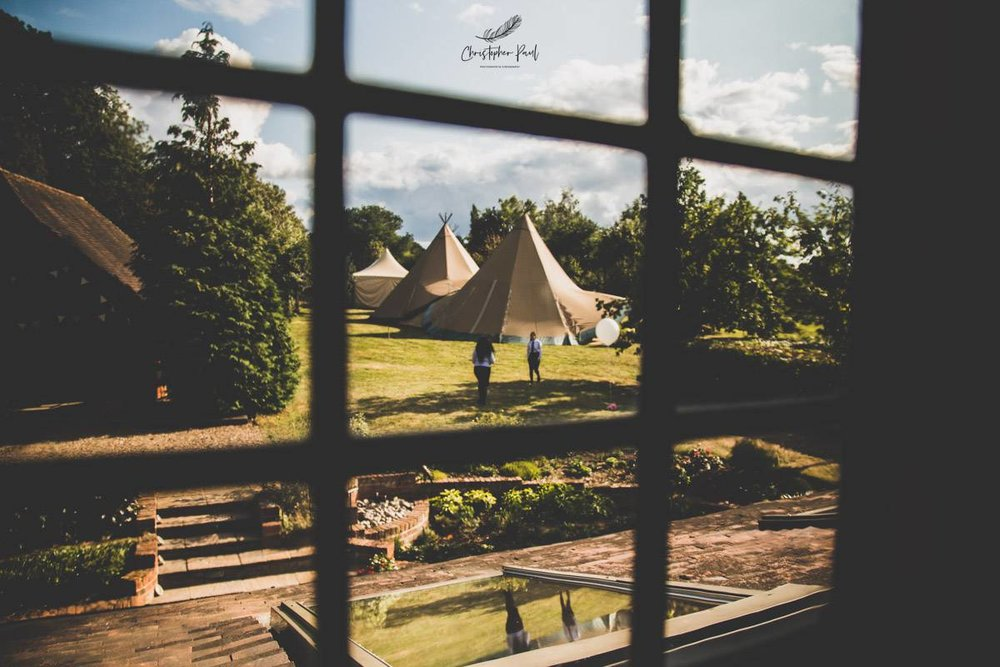 Beautiful weather for this alternative festival summer wedding