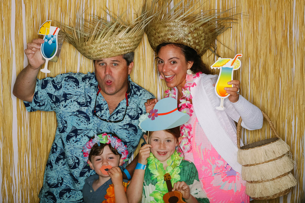 Tokeneke Club Family Luau