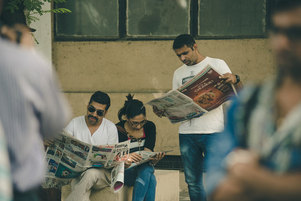 clients-reading-newspaper