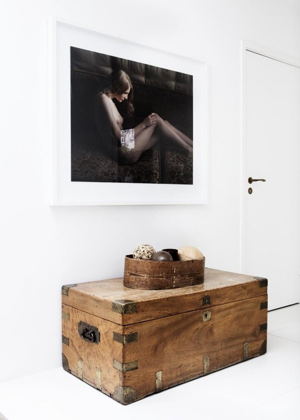 line_klein_yvonne_kone_soft_gallery_chest_wood_balls_5189968ee087c30a26430edb