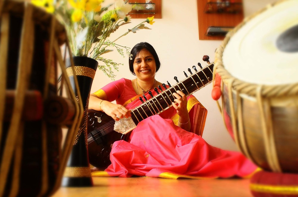 Anupama-Bhagwat-Tabla-02.jpg