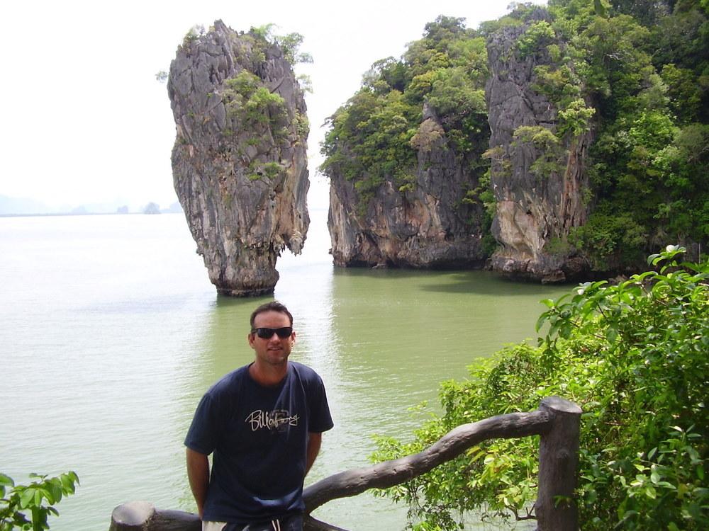 """Pic: The author at Ko Khao Phing Kan (เกาะเขาพิงกัน-""""James Bond Island""""), Phang Nga"""