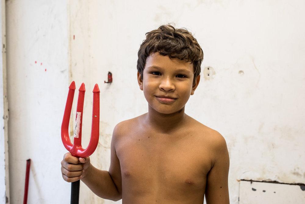 A young resident of Ocupação Luísa Mahin.