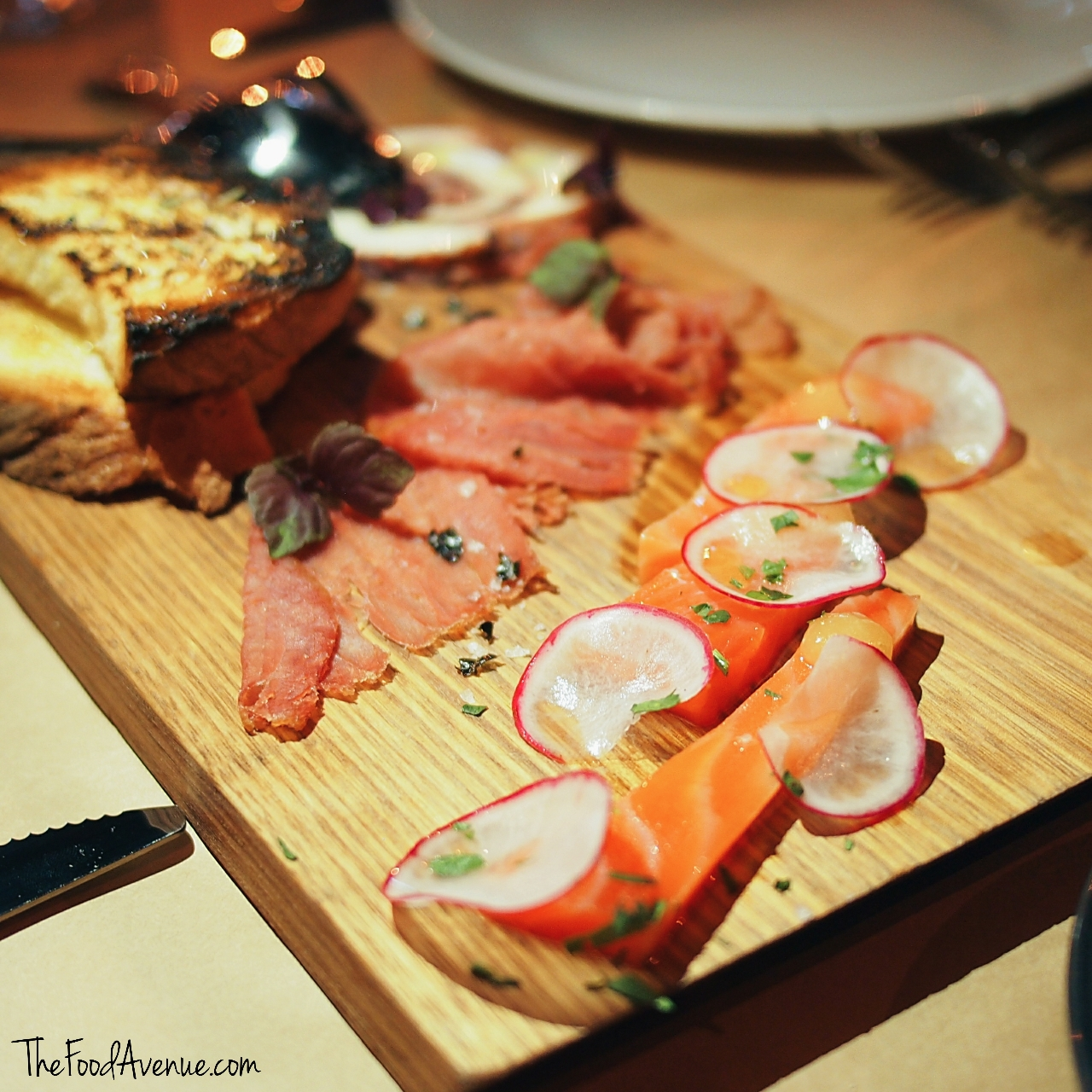 The_Food_Avenue_Loft_Bar_Grill4