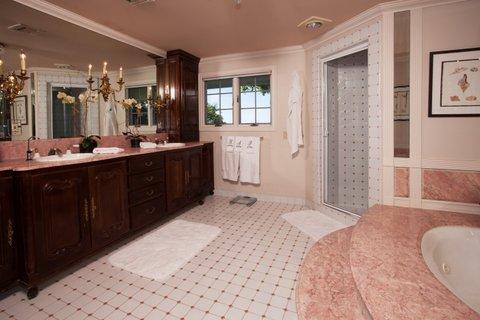 First-class master bath 2740.jpg