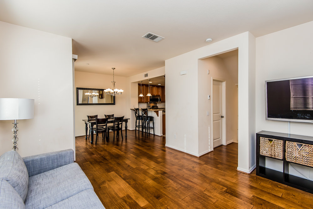 006-Living_Room-3603794-large.jpg