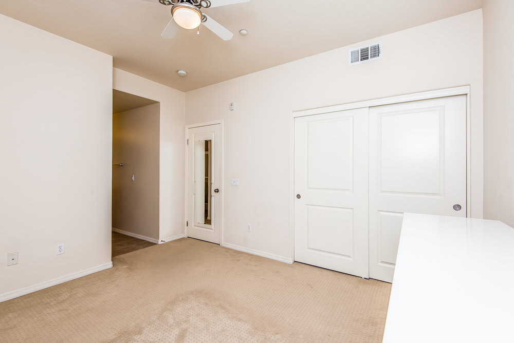 017-Master_Bedroom-3603789-large.jpg