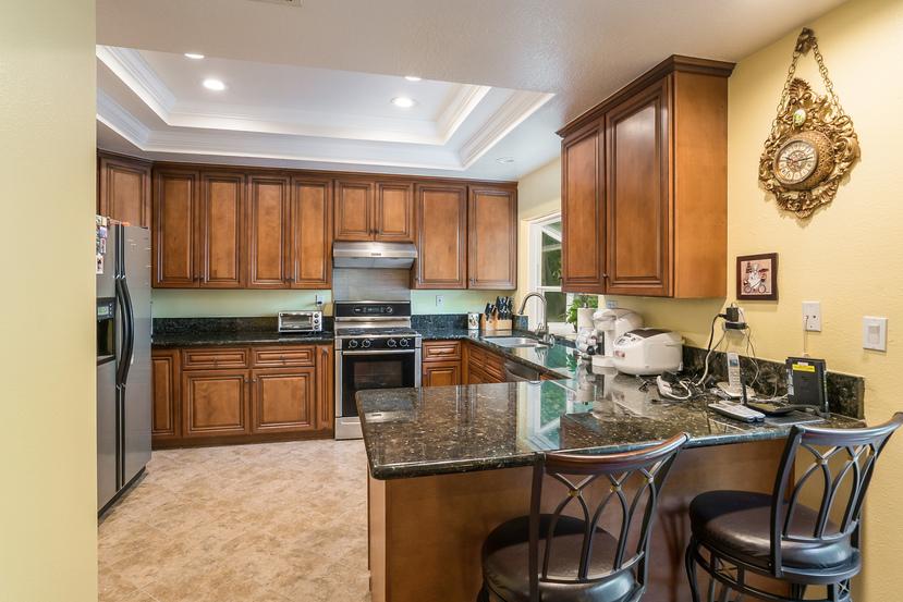 015-Kitchen-3717865-small.jpg