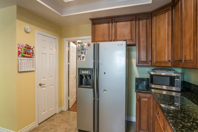018-Kitchen-3717870-small.jpg
