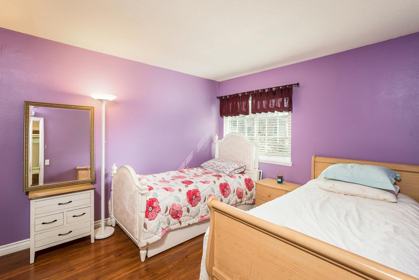 039-Bedroom-3717874-small.jpg