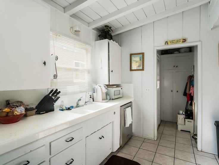 009-Kitchen-3736781-small4x3.jpg