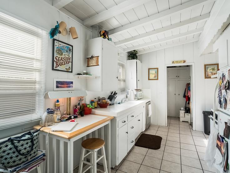 010-Kitchen-3736780-small4x3.jpg
