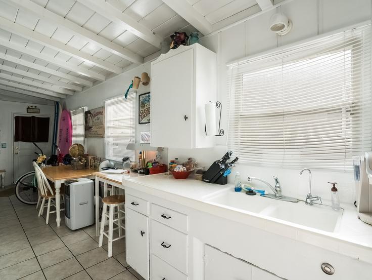 011-Kitchen-3736773-small4x3.jpg