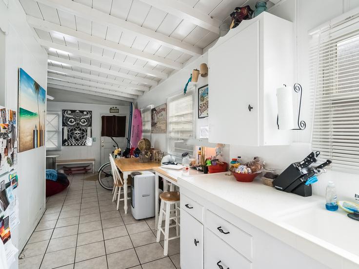 012-Kitchen-3736779-small4x3.jpg