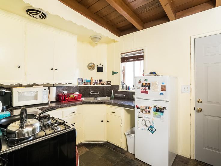 021-Kitchen-3736791-small4x3.jpg