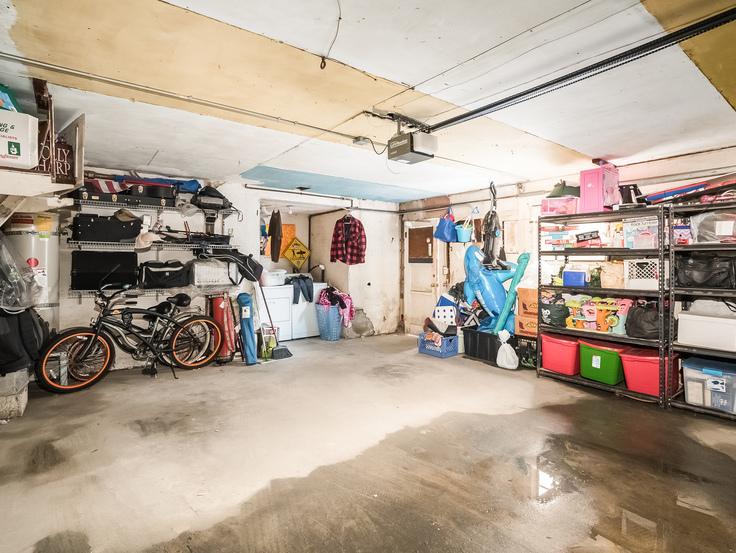 027-Garage-3736769-small4x3.jpg