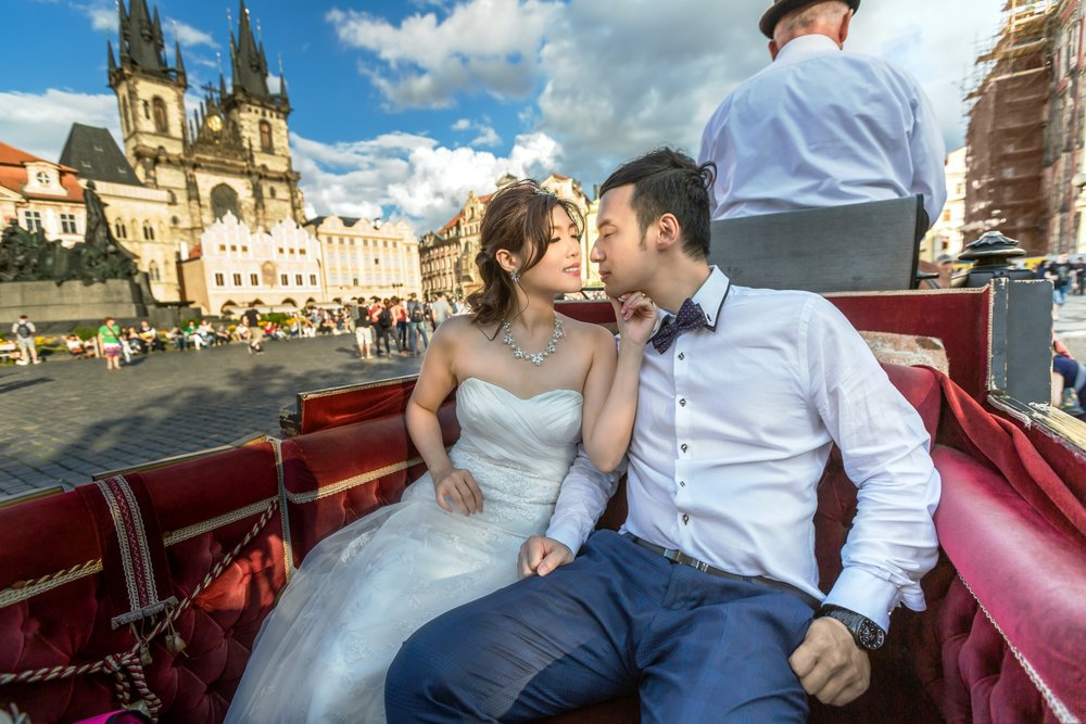 Prague Prewedding - Old Town Square