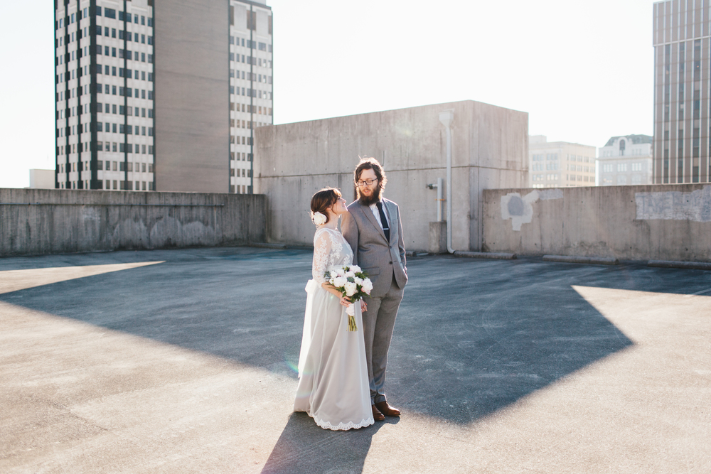 Couple on rooftop during downtown Chattanooga wedding