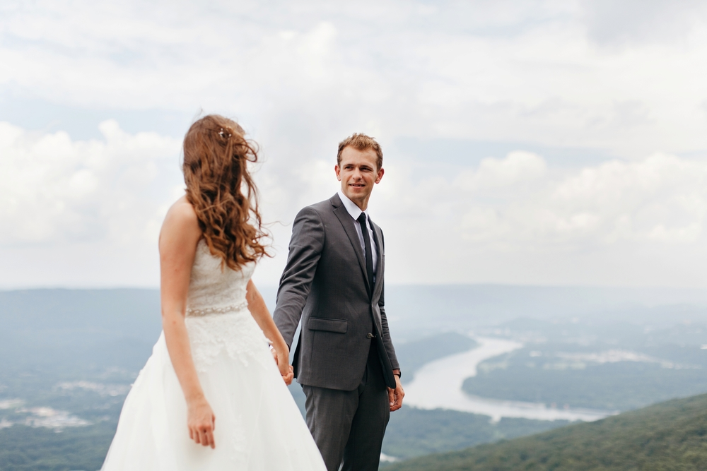 Intimate-Chattanooga-Wedding-Photos_0026.jpg