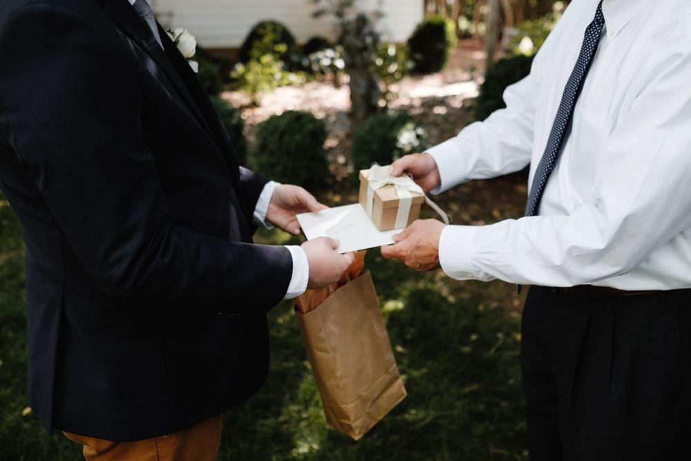 backyard-wedding-photos-greenville-lesley-aaron_0007.jpg