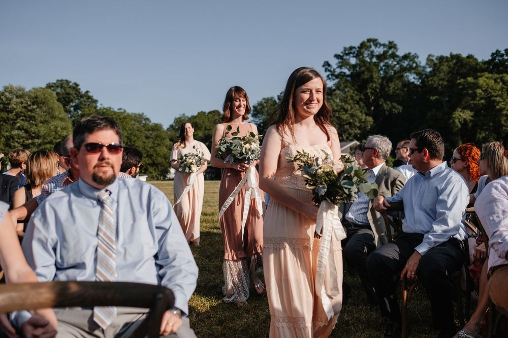 backyard-wedding-photos-greenville-lesley-aaron_0016.jpg