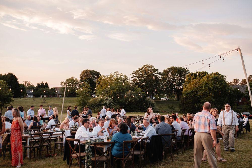 backyard-wedding-photos-greenville-lesley-aaron_0031.jpg