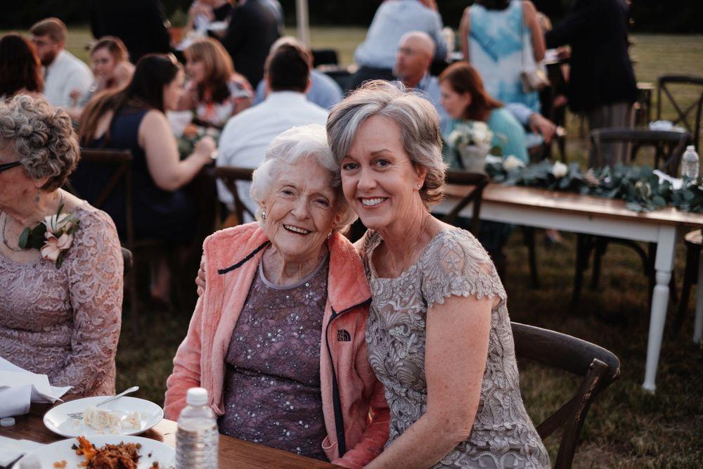 backyard-wedding-photos-greenville-lesley-aaron_0035.jpg
