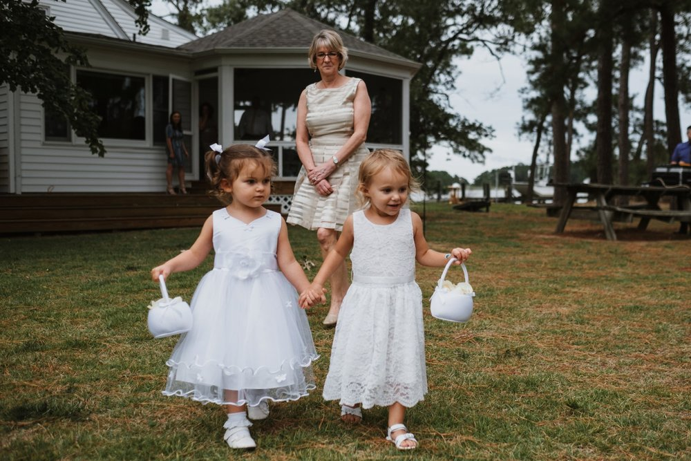 chesapeake-bay-backyard-wedding-photos_0032.jpg
