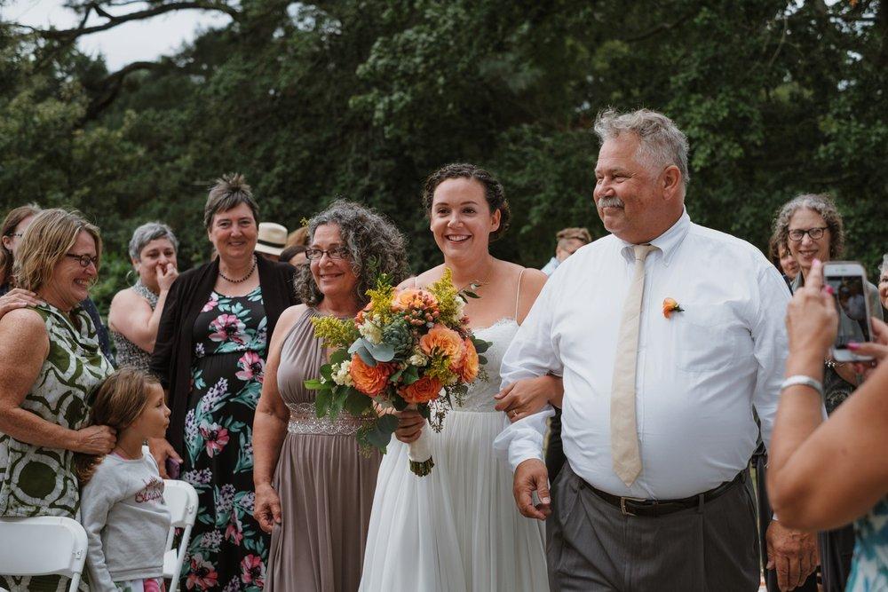 chesapeake-bay-backyard-wedding-photos_0033.jpg