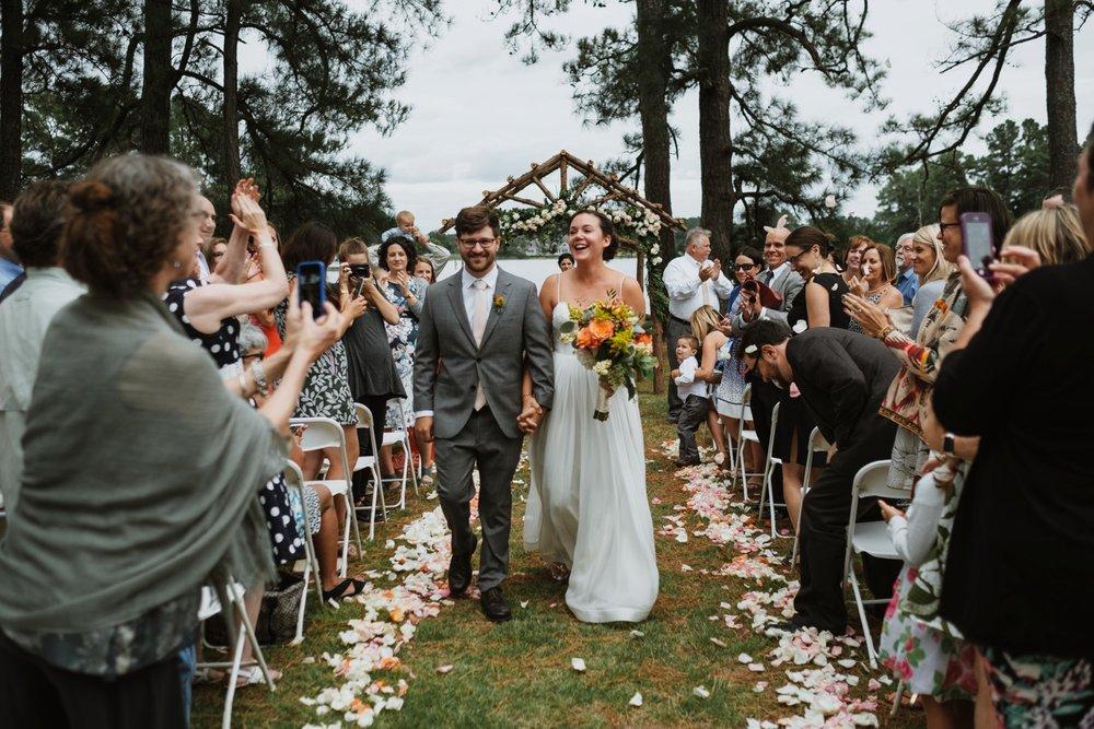 chesapeake-bay-backyard-wedding-photos_0037.jpg