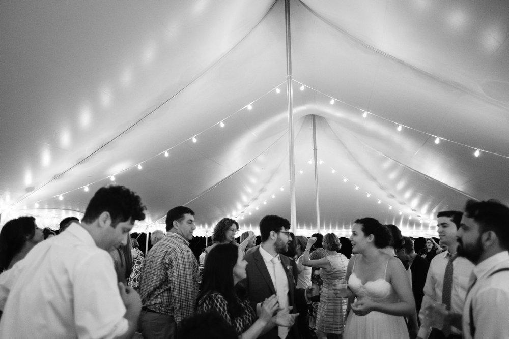 chesapeake-bay-backyard-wedding-photos_0051.jpg